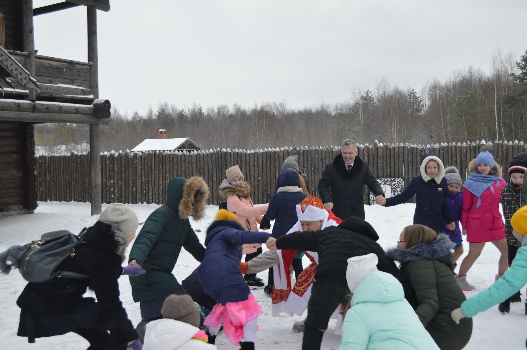 Традиционный рождественский прием лучших школьников Кирилловского района главой Кирилловского района