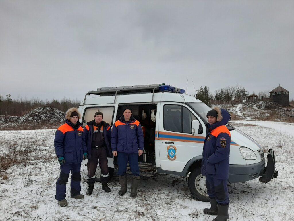 Служба спасателей в усадьбе Сугорье